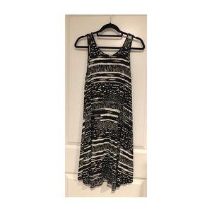 A Line Black & White Midi Abstract Dress Flowy L